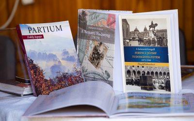 Bemutatkoznak a Magyar Házak saját kiadványai